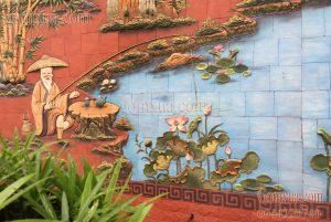 Tranh gốm Phù Lãng với chủ đề tiều ngư câu cá