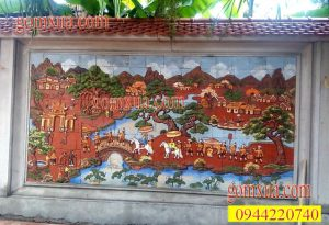 Chủ đề tranh gốm Vinh Quy Bái Tổ thường được lựa chọn nhiều trong trang trí nhà thờ