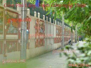 Bức tường tranh gốm tạo điểm nhấn cho cả khu phố
